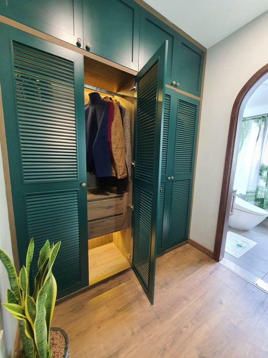 tủ áo gỗ tự nhiên tân cổ điển